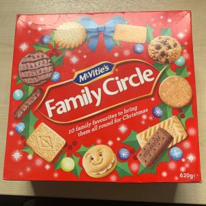 Family Circle Biscuit Box - 620gm